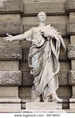 Statue von Cicero