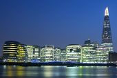 pic of london night  - View of new London city hall at night - JPG