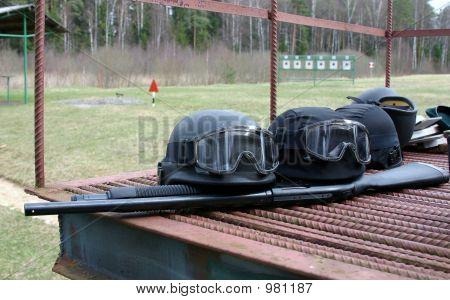 Helmets& Shotgun