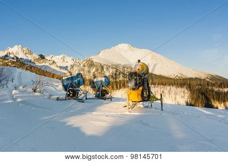 Machinery For The Production Of Artificial Snow