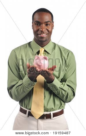 Empresário sorrindo e segurando um mealheiro isolado em um fundo branco