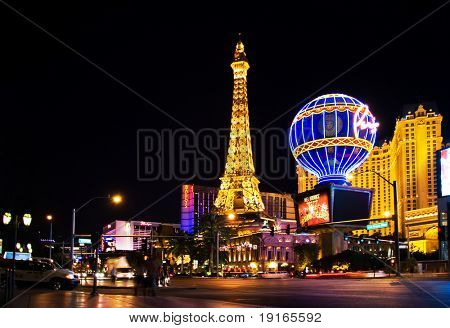 LAS VEGAS - MAY 2:Night View from Strip on the replica of Eiffel Tower at Paris Hotel & Casini on May 2, 2007, NV. Designed after 1920s Paris with replicas of the Eiffel Tower and Arc de Triomphe