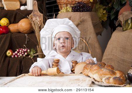 Kid bonito como um Chef