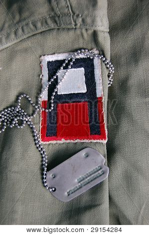 US uniform and dog tag