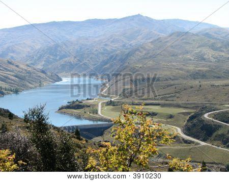 Overlooking Lake Dunstan And Highway