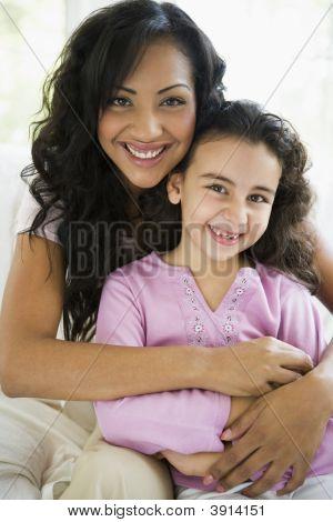 nahöstlichen Mutter und Kind zu Hause