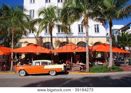 Art Deco architecture in South Beach