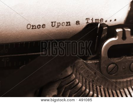 Old Typewriter (focus On Text)