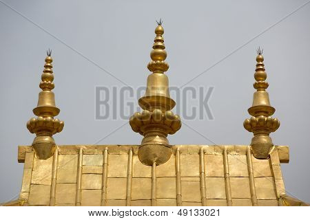 Golden roof in Lhasa