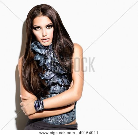 Beauty Fashion Model Girl Portrait. Vogue Style Woman. Ling Healthy Hair and Beautiful Makeup. Trendy Wear