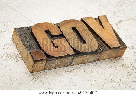 dot gov dominio de internet - dirección de red para el gobierno - en el tipo de madera vintage letterpress en cer