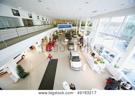 MOSCOW - JAN 11: Showroom on the first floor of dealership Varshavka Center on January 11, Moscow, Russia. In addition to exhibition area on the first floor are located the reception and client zone