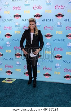 LOS ANGELES - AUG 11:  Demi Lovato at the 2013 Teen Choice Awards at the Gibson Ampitheater Universal on August 11, 2013 in Los Angeles, CA