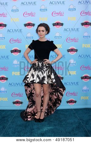 LOS ANGELES - AUG 11:  Lily Collins at the 2013 Teen Choice Awards at the Gibson Ampitheater Universal on August 11, 2013 in Los Angeles, CA