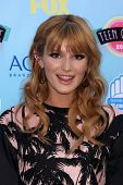 LOS ANGELES - AUG 11:  Bella Thorne at the 2013 Teen Choice Awards at the Gibson Ampitheater Univers