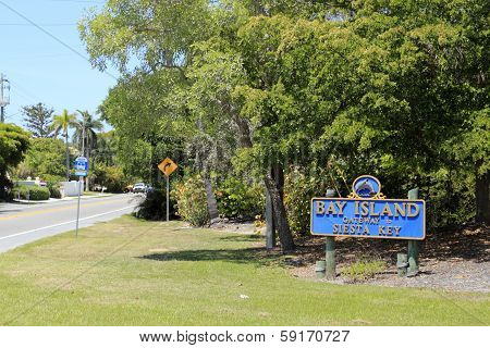 Bay Island Gateway To Siesta Key Sign
