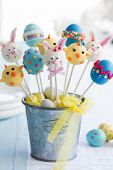 foto of cake-ball  - Easter cake pops - JPG