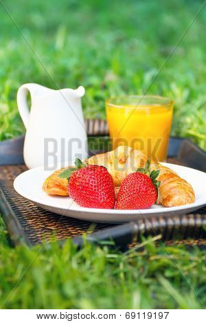 Breakfast outdoors