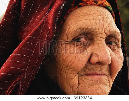 Ashgabat, Turkmenistan - April 02.  Portrait Of Old Unidentified  Asian Woman. Woman In Traditional