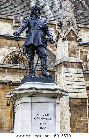London Statue Of Oliver Cromwell On St.margaret St