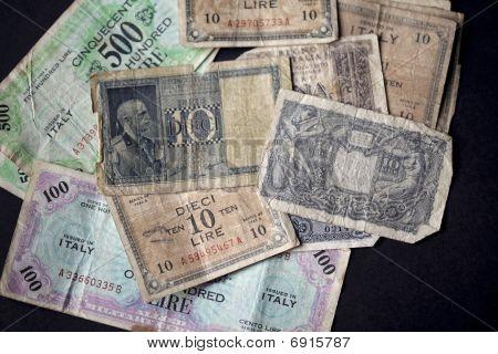 Vintage Italian Banknotes