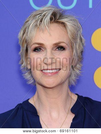 LOS ANGELES - JUN 09:  Jane Lynch arrives to the FOX's