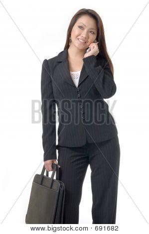 Asian Business-Frau auf Handy