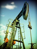 pic of nonrenewable  - Oil Pump - JPG