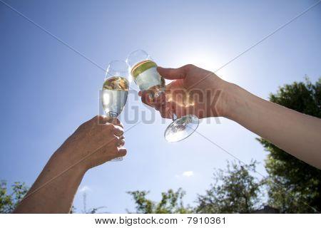 Toast af white wine