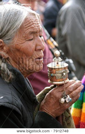 Old woman praying