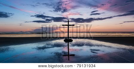Center Sunset Beach Cross.