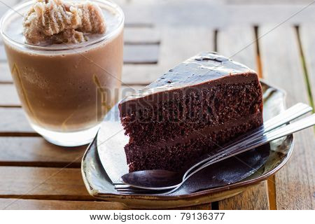Dark Chocolate Cake And Chocolate Frappe