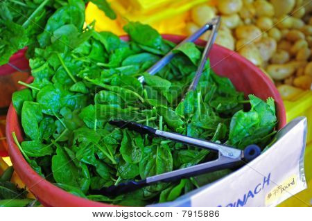 Loose leaf spinach