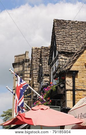 Cotswold buildings, Bourton on the Water.