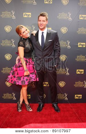 LOS ANGELES - APR 26:  Chrishell Stause, justin Hartley at the 2015 Daytime Emmy Awards at the Warner Brothers Studio Lot on April 26, 2015 in Burbank, CA