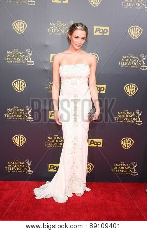 LOS ANGELES - APR 26:  Hunter King at the 2015 Daytime Emmy Awards at the Warner Brothers Studio Lot on April 26, 2015 in Burbank, CA