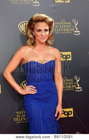 LOS ANGELES - APR 26:  Kelly Sullivan at the 2015 Daytime Emmy Awards at the Warner Brothers Studio Lot on April 26, 2015 in Burbank, CA