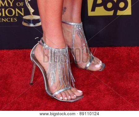 LOS ANGELES - APR 26:  Heather Tom at the 2015 Daytime Emmy Awards at the Warner Brothers Studio Lot on April 26, 2015 in Burbank, CA