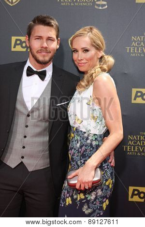 LOS ANGELES - APR 26:  Scott Clifton, wife at the 2015 Daytime Emmy Awards at the Warner Brothers Studio Lot on April 26, 2015 in Burbank, CA