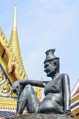 foto of buddha  - Wat Phra Kaew OR  - JPG
