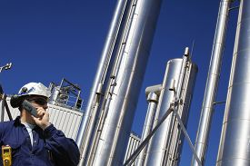 pic of gas-pipes  - oil and gas engineer with large gas - JPG