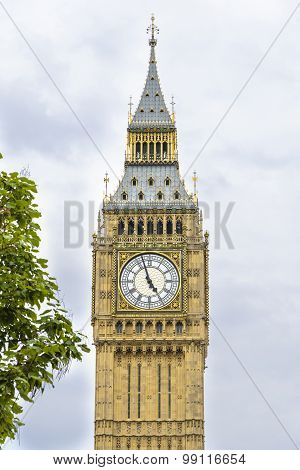 Big Ben (clock Tower) In London