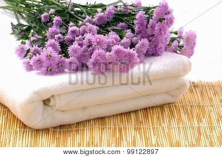 Spa set pink gerbera with,towel on mat