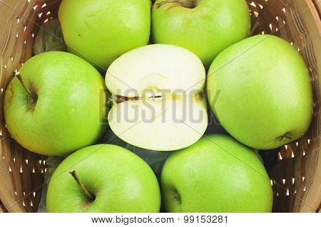 Green Ripe Apples