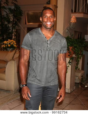 LOS ANGELES - AUG 14:  Lawrence Saint-Victor at the Bold and Beautiful Fan Event Friday at the CBS Television City on August 14, 2015 in Los Angeles, CA
