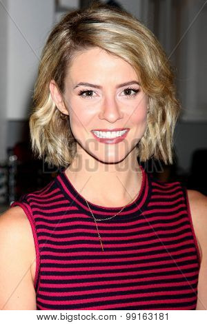 LOS ANGELES - AUG 14:  Linsey Godfrey at the Bold and Beautiful Fan Event Friday at the CBS Television City on August 14, 2015 in Los Angeles, CA