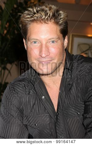 LOS ANGELES - AUG 14:  Sean Kanan at the Bold and Beautiful Fan Event Friday at the CBS Television City on August 14, 2015 in Los Angeles, CA