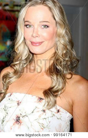 LOS ANGELES - AUG 14:  Jennifer Gareis at the Bold and Beautiful Fan Event Friday at the CBS Television City on August 14, 2015 in Los Angeles, CA