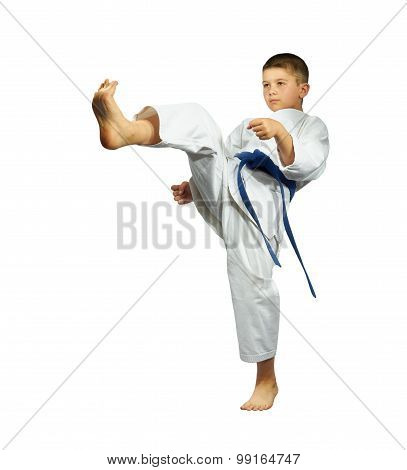 Direct blow leg beats athlete in karategi