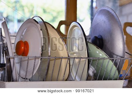Wash-up And Drying  Kitchenware